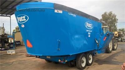 Photo 2. Patz 950 Feed/Mixer Wagon