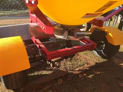 Photo 2. IRIS ITS-700P spreader