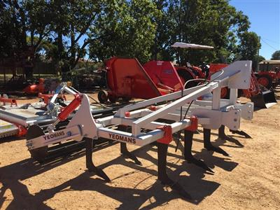 Photo 4. YEOMANS L43-14 cultivator