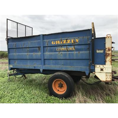 Photo 2. GRIZZLY G17 SPREADER