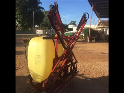 Photo 2. Hardi 600 portable sprayer
