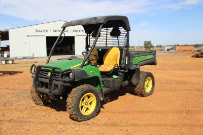 Photo 2. JOHN DEERE GATOR 855D utv