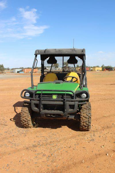 Photo 3. JOHN DEERE GATOR 855D utv