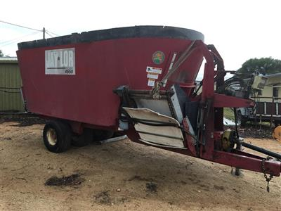 JAYLOR 4650 TWIN mixing wagon