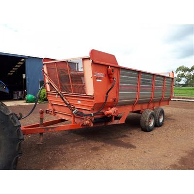 Photo 4. PEARSON SD130 SILAGE FEEDOUT CART