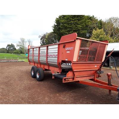 Photo 5. PEARSON SD130 SILAGE FEEDOUT CART
