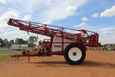 Photo 3. CROPLAND PEGASUS 6000 boom sprayer