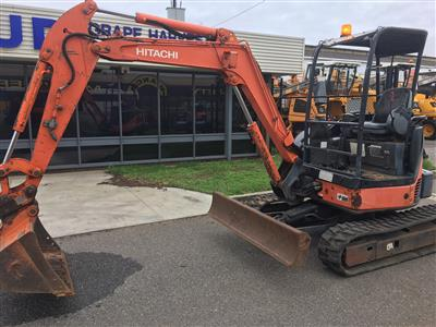 Photo 2. Used Hitachi Excavator ZAXIS35U