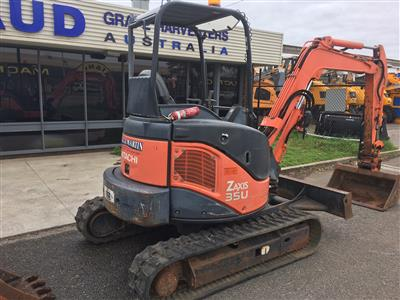 Photo 5. Used Hitachi Excavator ZAXIS35U