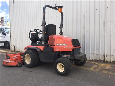 Photo 4. Used Kubota F3690AU-SN Mower