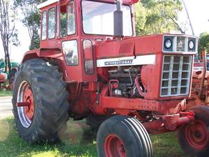 International 866 tractor Wrecking