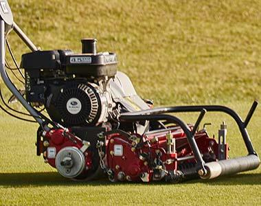 Photo 2. Baroness LM56GB Specialist Greens Mower