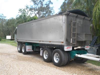 Photo 2. SAWTELL & SONS 4 AXLE trailer
