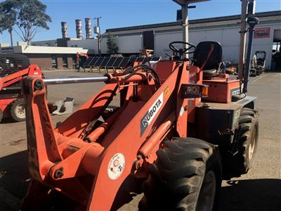 Photo 3. Used Kubota Loader R510