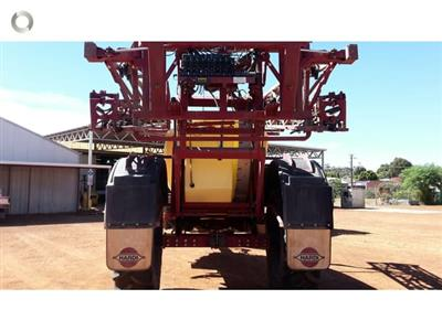 Photo 4. Hardi 6530 boom sprayer