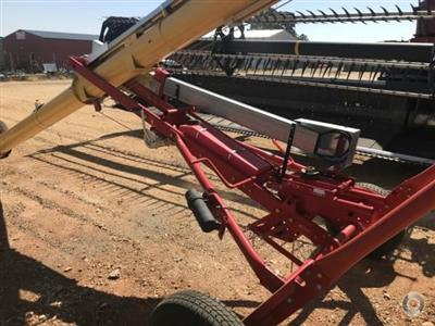 Photo 4. Westfield TFX 10 x 41ft grain auger