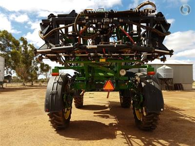 Photo 4. John Deere 4940 self propelled sprayer