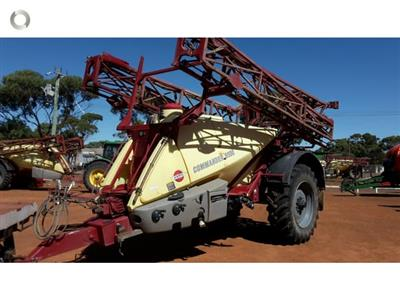 Photo 5. Hardi 6530 boom sprayer