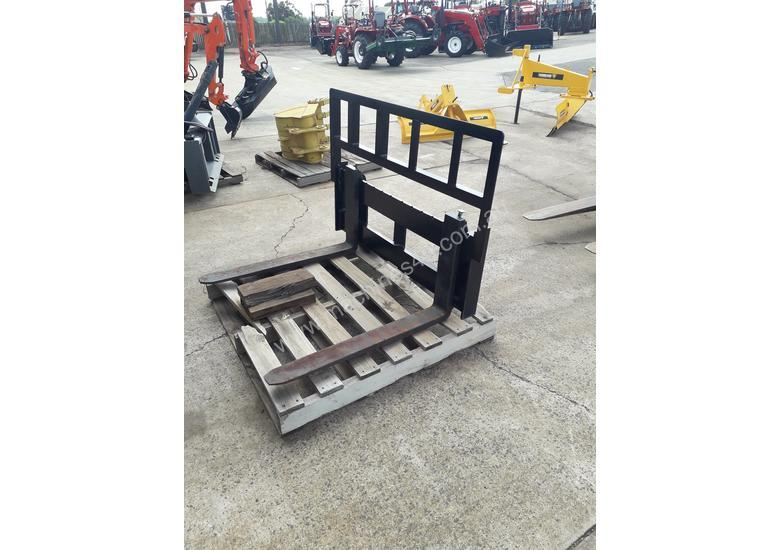 Photo 3. Alfa Tractor Pallet Forks 30HP-80HP