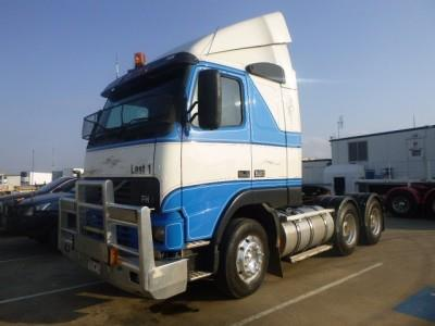 Photo 1. Volvo FH580 Primemover