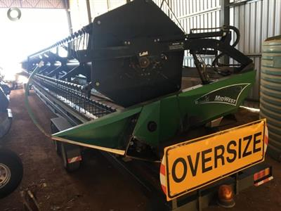 Photo 4. Midwest CH50 harvester front