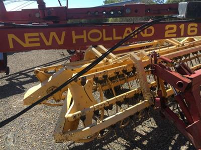Photo 5. New Holland 216 hay rake