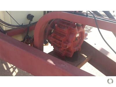 Photo 5. Hardi 5033 Series 1 boom sprayer
