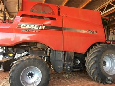 Photo 5. CASE IH 7240 combine harvester
