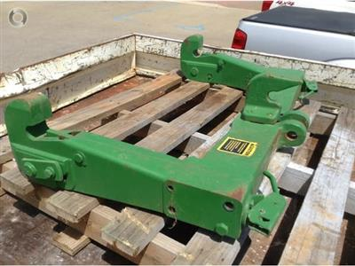 Photo 3. John Deere 4450 hitch